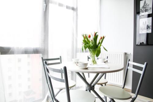 apartment-2094699 1920